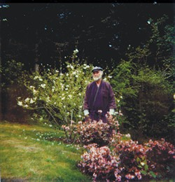 POLAROID PHOTO BY ROBERT YARBER, COPYRIGHT MORRIS GRAVES FOUNDATION. MANY THANKS TO ROBERT YARBER AND HIS WIFE DESIREE FOR SHARING PHOTOS AND MEMORIES. - Morris Graves in his garden, 1982.