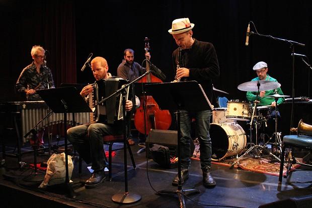 The Claudia Quintet - BOB DORAN