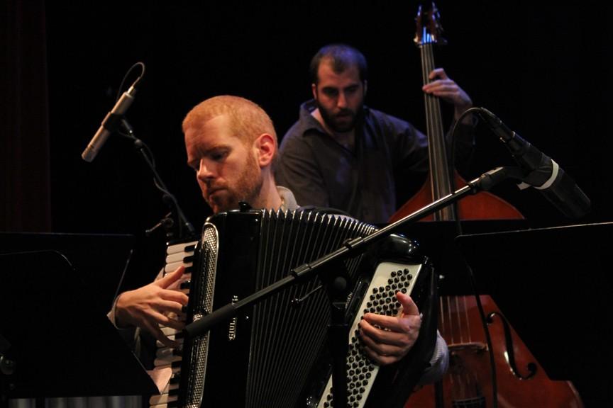 Red Wierenga on accordion, Chris Tordini on bass - BOB DORAN