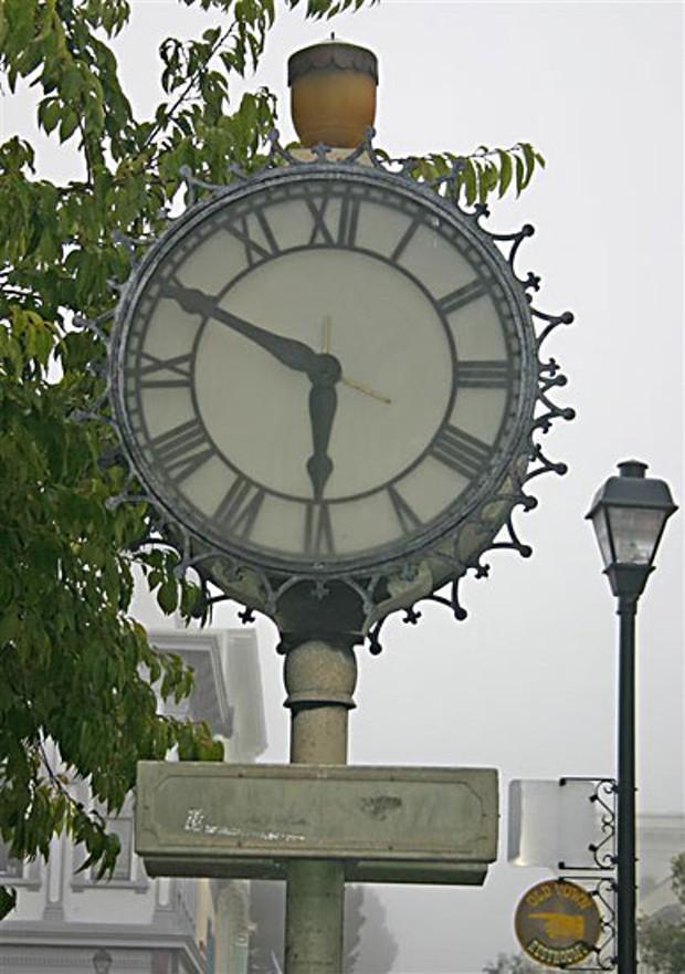 One of Eureka's twin clocks on 2nd Street.