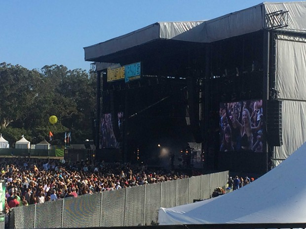 Chromeo from the press tent. Shoulder-rider on the big screen.