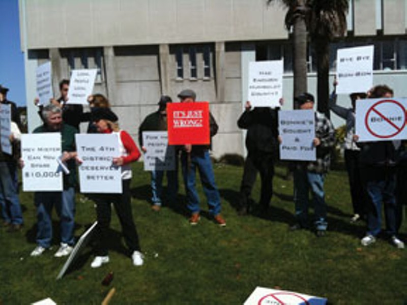 Protest at Humboldt County Courthouse Thursday. Photo by Hank Sims