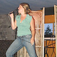 7 Days of Karaoke Rockin' Reagan Nail at Six Rivers Brewery. Photo by Joel Hartse.