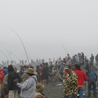 Combat Fishing on the Klamath2 Saturday, Labor Day weekend, insane crowds. Alas, the bite was slow. Photo by Jerry England