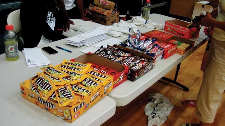 Sugar time, kiddies! - PHOTO BY TAMMY RAE SCOTT.