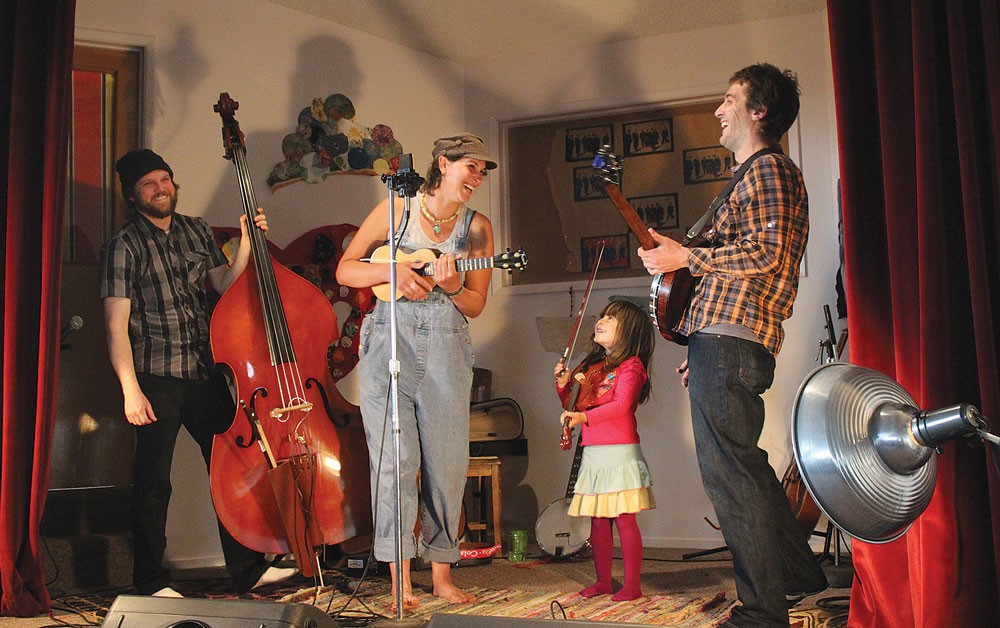 """The Lyndsey Battle Trio, joined by guest fiddler Bella, Lyndsey's daughter, play Lorde's """"Song of the Year"""" hit, """"Royals,"""" on May 4 at The Sanctuary, where the band opened for the Sumner Brothers. - PHOTOS BY BOB DORAN"""