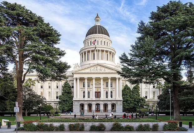 The California State Capitol. - WIKIPEDIA