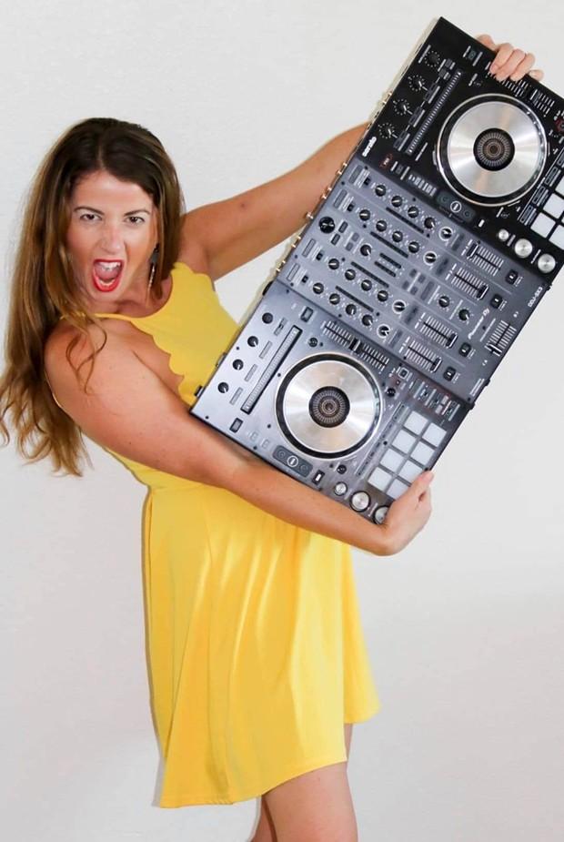 DJ MICHELLE RUNDAT