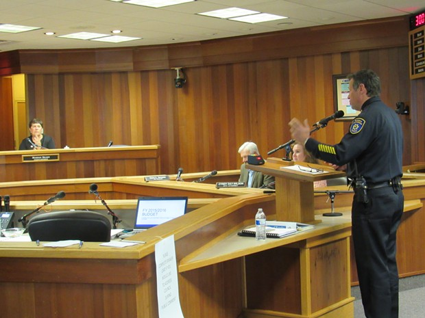 Chief Andy Mills addresses the Eureka City Council. - LINDA STANSBERRY