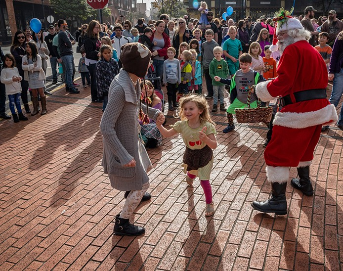 Santa Comes to Old Town for the Snowball Drop