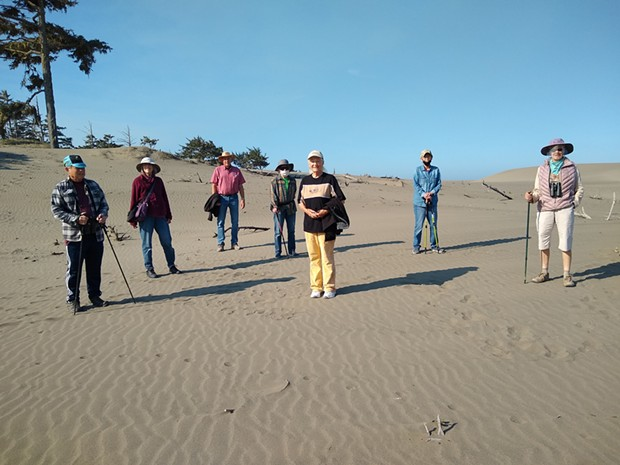 The Ramblers spread out on the Ma-le'l Dunes.
