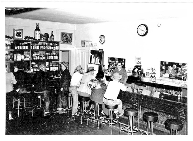 The bar at the Ivanhoe in 1947, likely smelling of Dungeness crab cioppino.