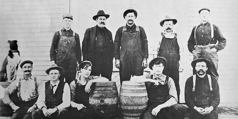 Humboldt County Brewing Company at Broadway and Harris staff in 1909.