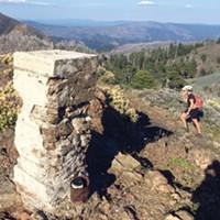 At long last, the pillar marking Signal Peak.