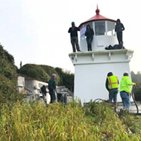 Protesters Try to Block Lighthouse Move