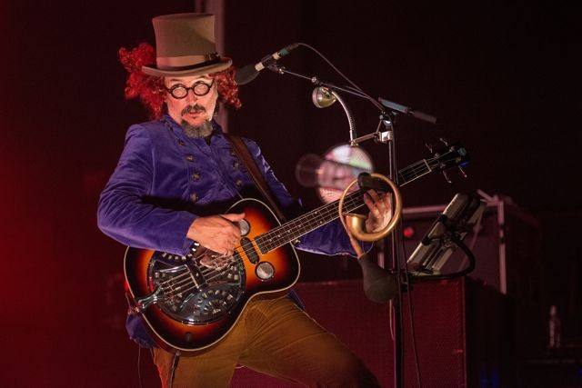 Primus brought their sugar rush to the Muni Thursday night.