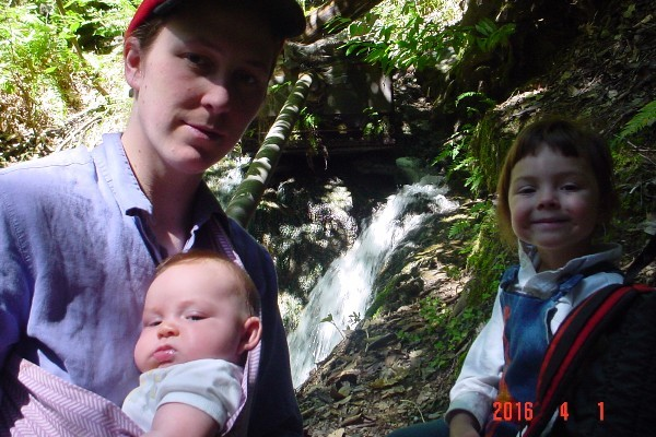 Elizabeth Palmer, with her two daughters, Lizzie and Victoria. - GOFUNDME