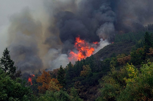 Fire Crews Brace for Hotter, Drier Conditions; Wind May Push Smoke to Eureka