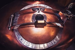 DERIC MENDES - Alchemy's copper potstill.