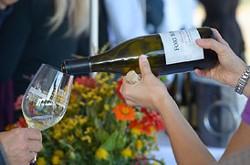 5b39f321_wine_pour.jpg