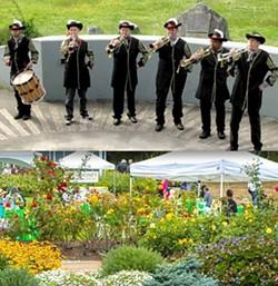95e7ec55_garden_of_trumpets_6-18-17_e.jpg