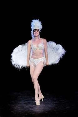 2fe29182_suburban_showgirl_feathers.jpg
