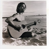 Makana delivers an intimate concert to benefit Cayucos pier