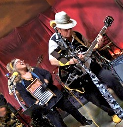 BOOGIE:  The Cliffnotes (that's Valerie Johnson on washboard and Cliff Stepp on guitar) play two shows this weekend: July 17 at Branch St. Deli and July 18 at Shell Café. - PHOTO BY PHOENIX RISING