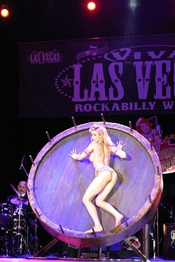 VA-VA VHROOM! :  The old fashion burlesque show had lovely ladies galore and a hilarious emcee.