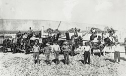 1918 :  Bean farmers in Oso Flaco take a break from threshing. - PHOTO COURTESY OF THE SLO COUNTY HISTORICAL SOCIETY