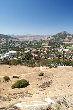 CAMPUS LIFE :  Cal Poly's dorms offer convenience: You're just a few steps away from class, and dining facilities mean you don't have to cook for yourself. Still, off-campus housing offers its own advantages. - PHOTO BY STEVE E. MILLER