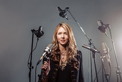 """MUSIC MIND :  U.K. singer-songwriter Beatie Wolfe performs and talks about her new project """"The Power of Music"""" on March 24, at Henry Miller Library. - PHOTO COURTESY OF BEATIE WOLFE"""