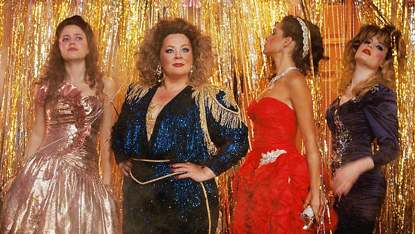 PARTY LIKE IT'S 1985 Deanna (Melissa McCarthy, center) has the senior year she never got, complete with ragers and hookups, when she returns to college after her husband leaves her for another woman. - PHOTOS COURTESY OF NEW LINE CINEMA