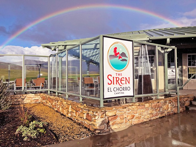PATIO VIEWS The Siren El Chorro opened at the end of January, serving food and drinks on the patio at Dairy Creek Golf Course and in the new Toptracer® bays.