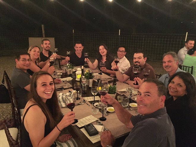 dinner_guests_1_.jpg