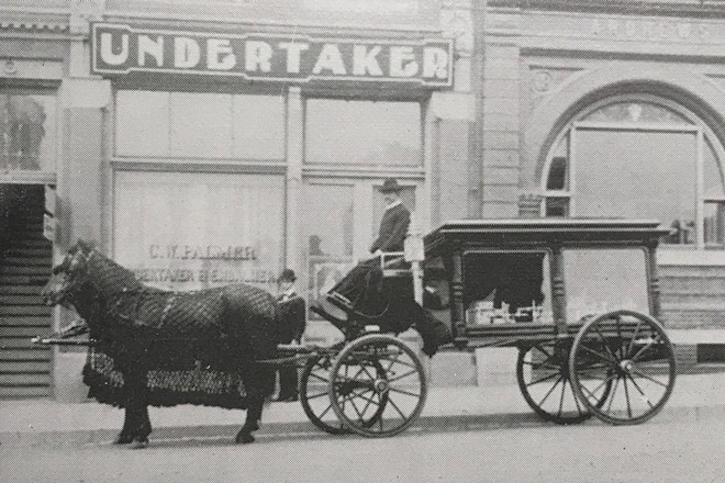 victorian_undertaker_1_.jpg