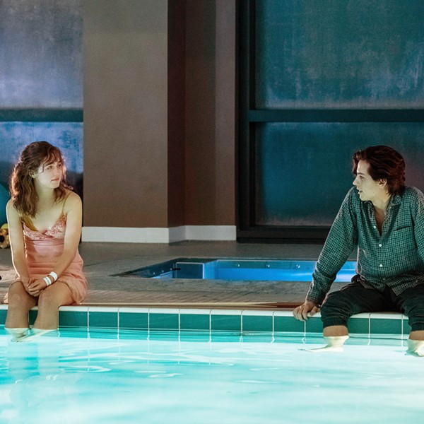 KEEP YOUR DISTANCE Two teenagers with cystic fibrosis—Stella (Haley Lu Richardson) and Will (Cole Sprouse)—fall in love in a hospital but must stay 6 feet apart to avoid cross-infection, in the young adult romance-drama, Five Feet Apart. - PHOTO COURTESY OF CBS FILMS