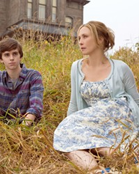 TWO PEAS IN A POD Norman Bates (Freddie Highmore) and his domineering mother, Norma Louise (Vera Farmiga), share a slow descent into madness, in the TV series Bates Motel, screening on Netflix.