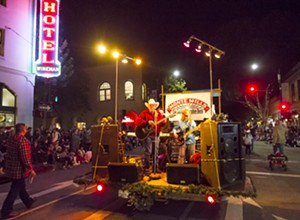 SLO's 42nd Annual Holiday Parade sleighs me