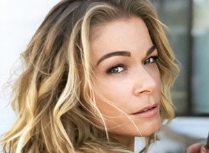 Country and pop star LeAnn Rimes plays a holiday show at the SLOPAC on Dec. 18