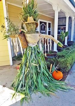 Los Olivos Scarecrow - Uploaded by Liz Dodder Hansen