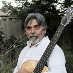 Singer/songwriter Mark Welch performs at The Victorian in July 11 - Uploaded by Therese Solimeno