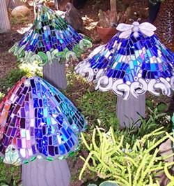 f924513e_14._garden_mushroom_trio.jpg