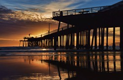 4697c24a_pismo_beach_pier_sunset_by_robgbobd3b4rza_7e5f61a9.jpg