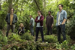 PHOTOS COURTESY OF WARNER BROS. PICTURES - ALL GROWED UP (Left to right) Richie Tozier (Bill Hader), Beverly Marsh (Jessica Chastain), Bill Denbrough (James McAvoy), Eddie Kaspbrak (James Ransone), Mike Hanlon (Isaiah Mustafa), and Ben Hanscom (Jay Ryan) reconvene 27 years after the events of It (2017) to kill the evil clown Pennywise once and for all.