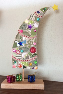 Learn mosaic basics to create this adorable tree. - Uploaded by Joan Martin Fee
