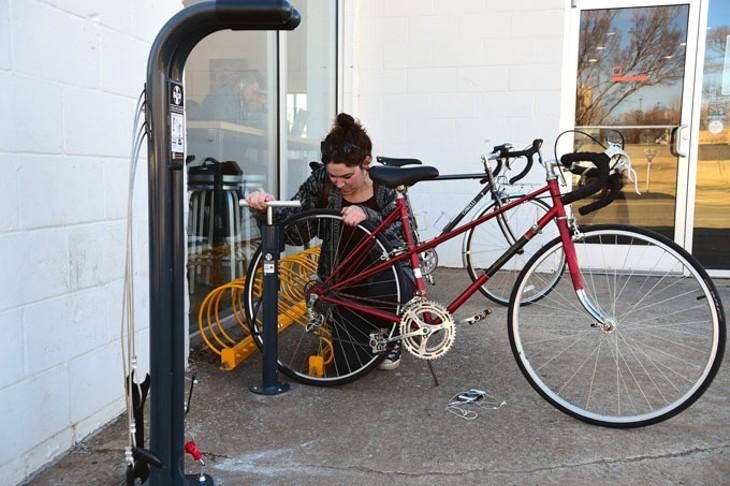 Bike-Station-user_9297mh.jpg