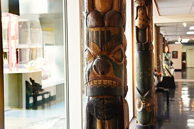 Red-Earth-totem-poles-2192mh.jpg
