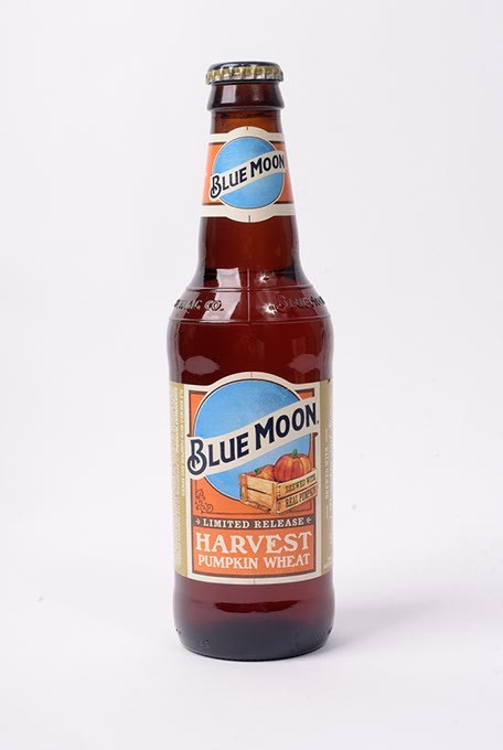 Blue Moon Harvest Pumpkin Wheat for Fall Brew Review 2017. - GARETT FISBECK