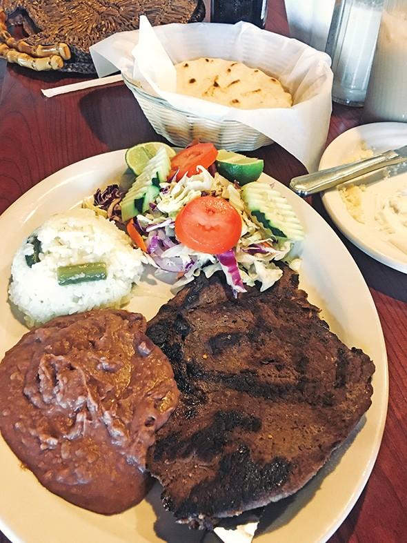 Carne asada plate at El Majahual - JACOB THREADGILL